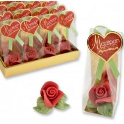 petite rose rouge en pâte d'amandes