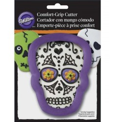Comfort Grip Metal Cookie Cutter - skull - Wilton